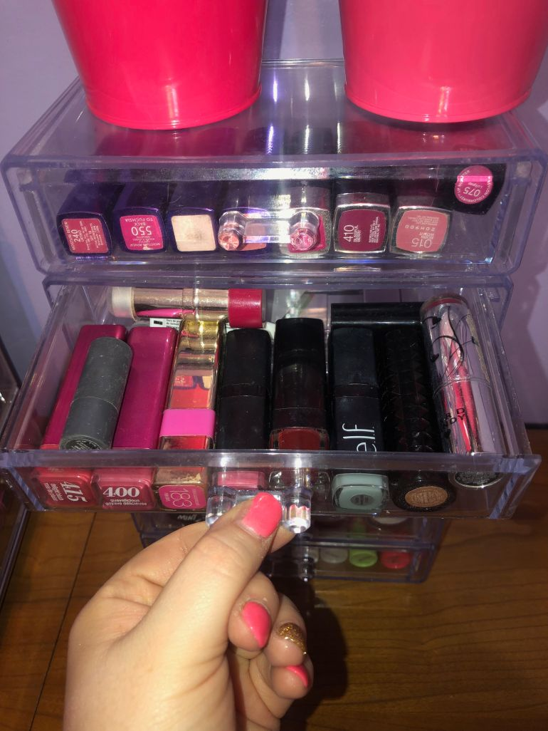 lip stick drawer 3